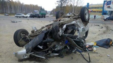 4 человека вынуждены прибегнуть кпомощи медиков после трагедии наБайкальском тракте под Иркутском