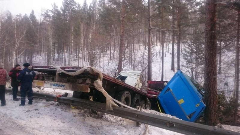 Ульяновский дальнобойщик попал вжуткое ДТП под Иркутском