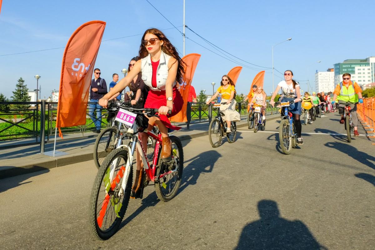 В «Энергичном велодне» En+ Group приняли участие около 1 500 иркутян