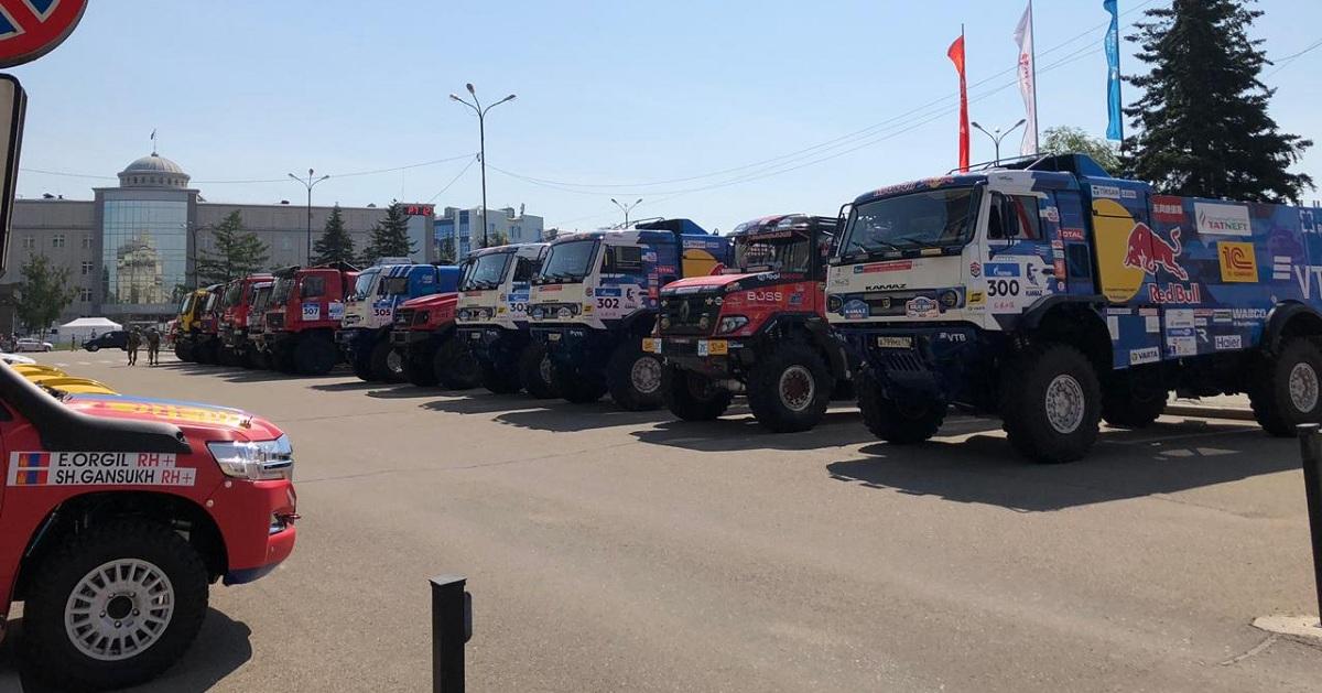 «Шёлковый путь» на старте: «Ростелеком» в Иркутске обеспечил участников ралли интернетом